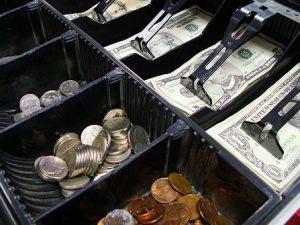 Kto potrzebuje kasy fiskalnej?