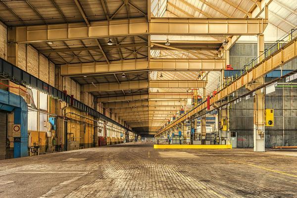Produkcja hali stalowej