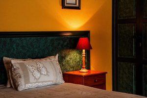 Nowoczesne lampki do sypialni