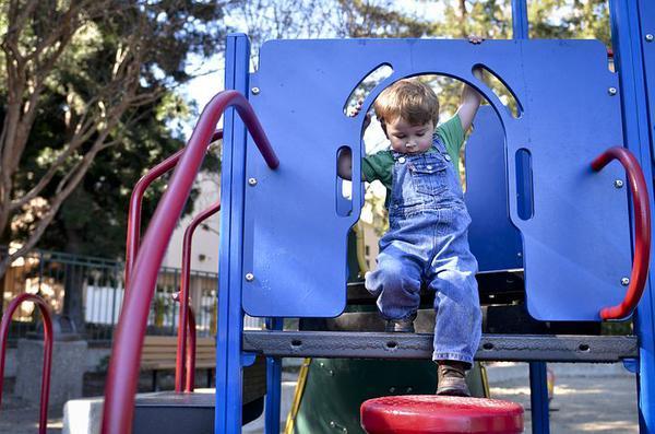 Małe miejscowości inwestują w place zabaw