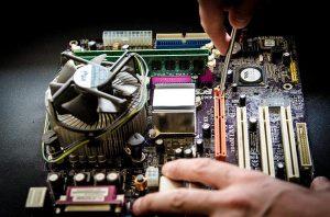 Obsługa informatyczna firm –  kompleksowe działanie