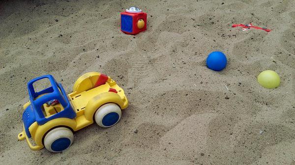 Praktyczna piaskownica dla dzieci